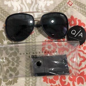 QUAY needing fame Sunglasses